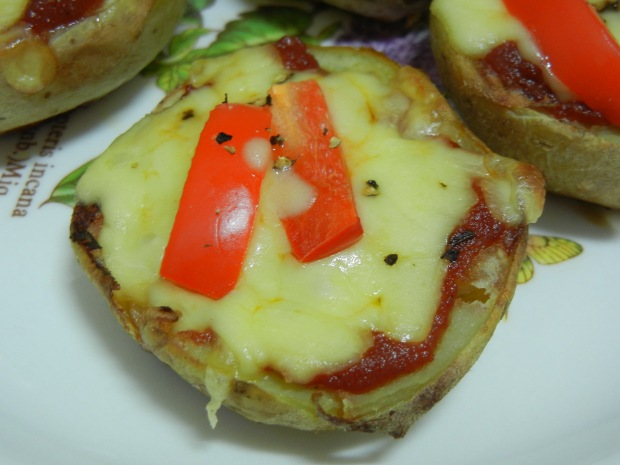 Potato Skins Pizza AND Bread Pudding 012