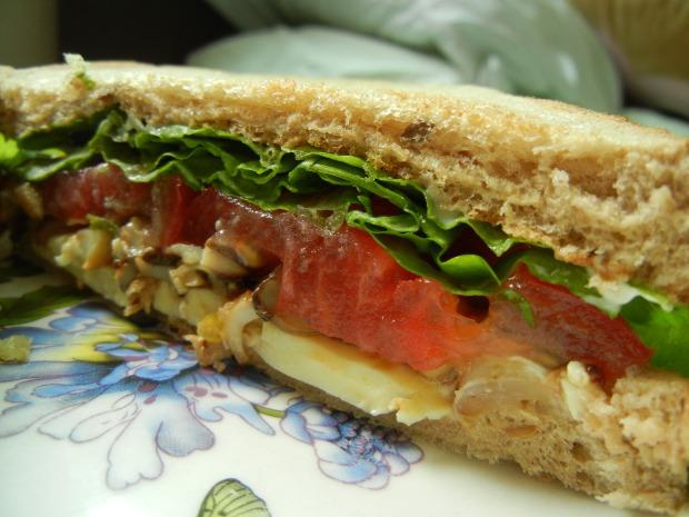 Cooked Mushroom Sandwich 004