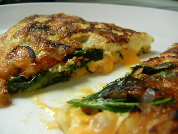 Red Onion Spinach Basil Omlette 005